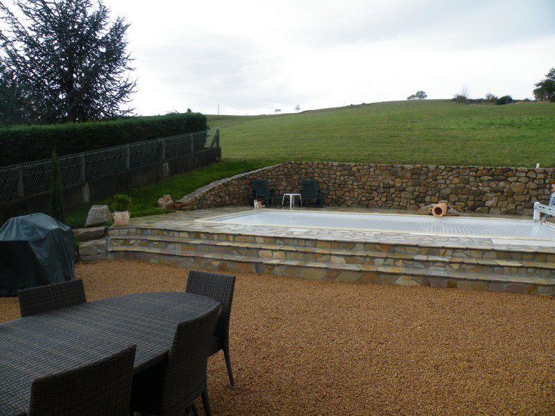 R alisations mur en pierre de pays et dallage en pierre for Jardin 42