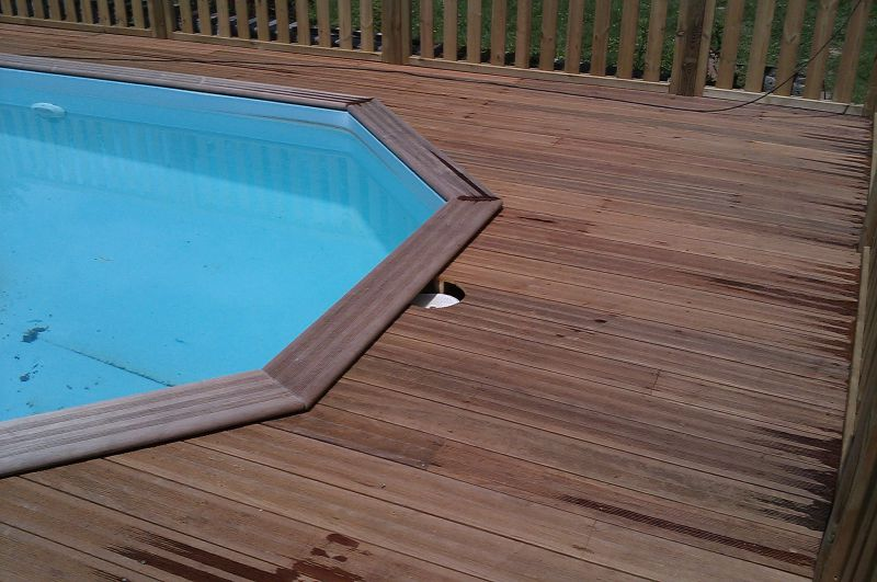 R alisations terrasse en ip d 39 une piscine hors sol for Amenagement piscine hors sol terrasse