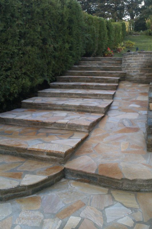 R alisations escalier en pierre du br sil et cour en for Escalier de jardin en pierre